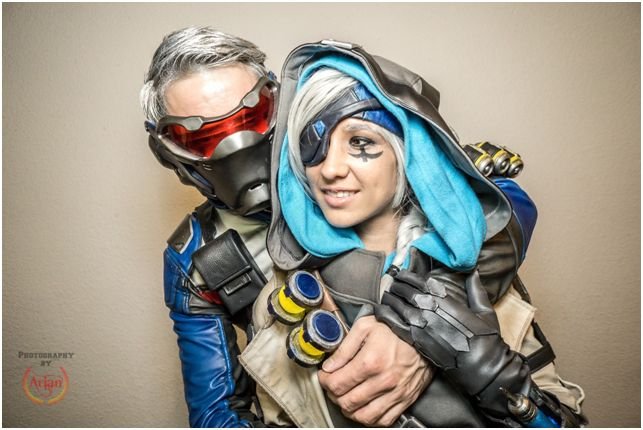 Geek couple gaming cosplay Overwatch Blizzard Sakuraflor & Karel