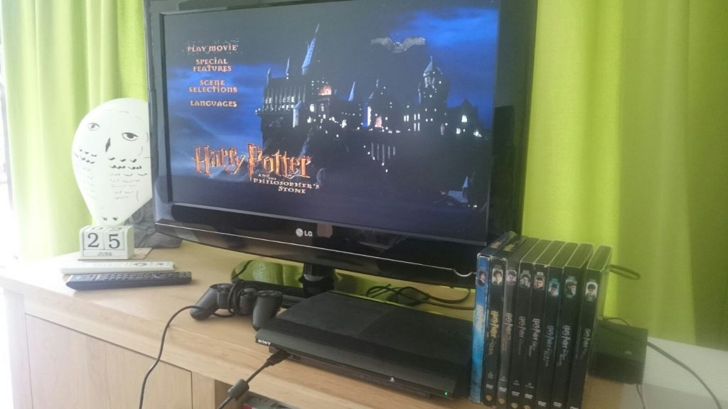 Game girl gamer Harry Potter geek Fantastic Beast